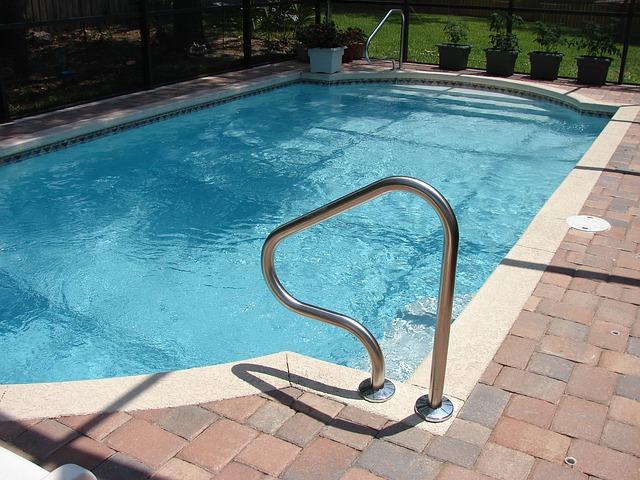 bazén ke koupání