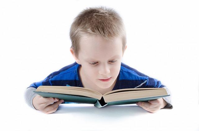 Studium, žák, kniha.