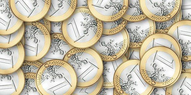hromada 1 euro mincí.jpg