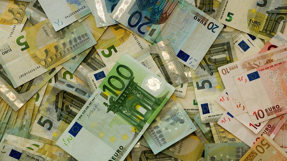 peníze eura